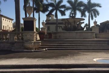 Palm_beach_town_hall.jpeg