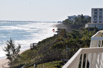 Palm Beach Town Council Approves New Beach Access Agreements
