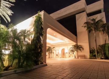 Renovation of the Four Seasons Resort Palm Beach